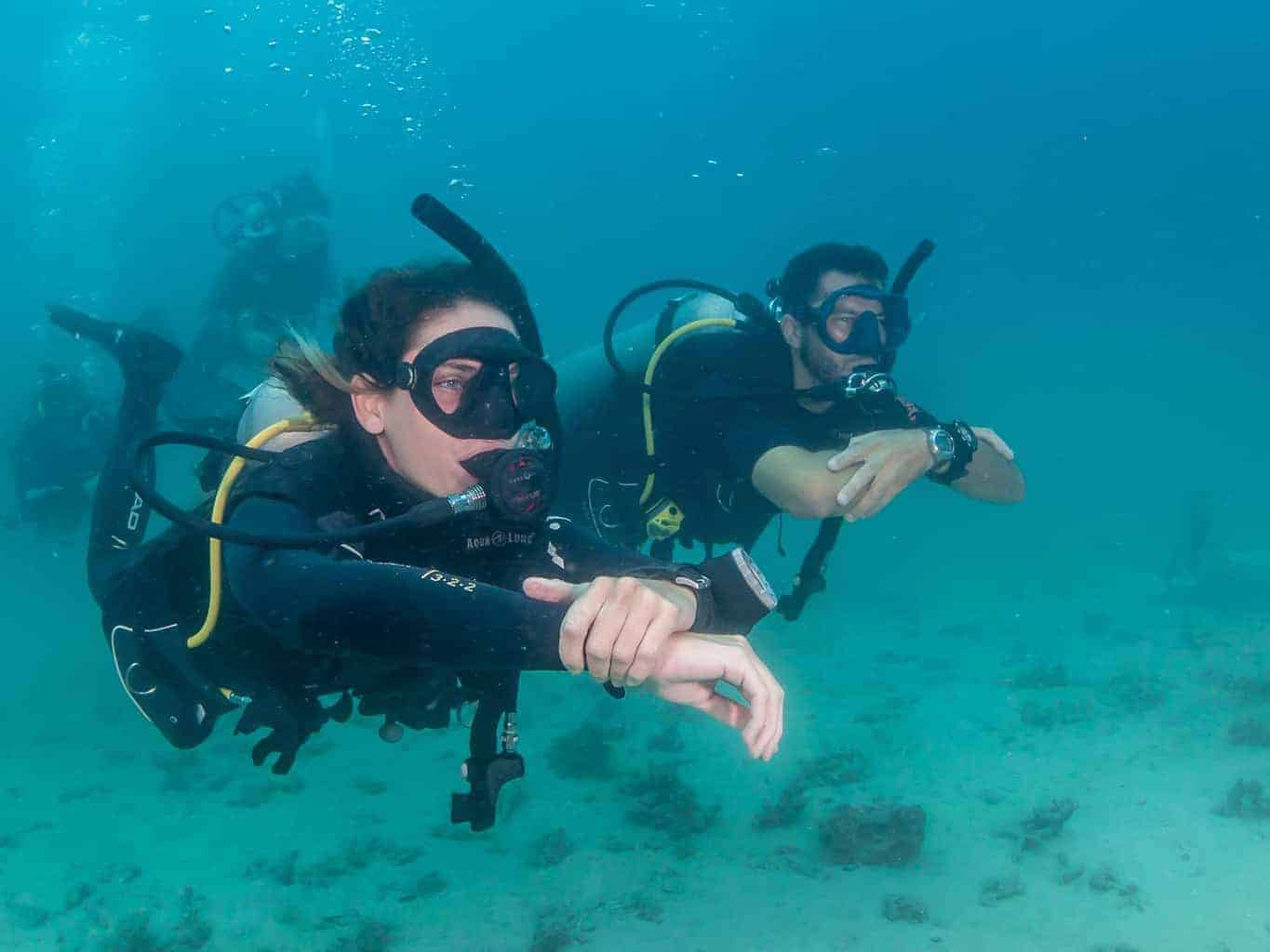 Best-Divemaster-Leading-guiding-fun-dives