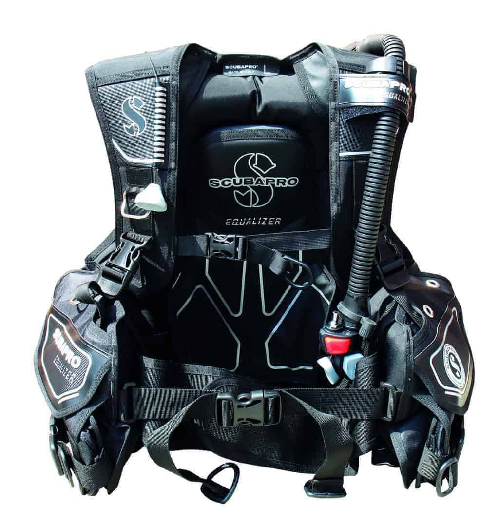 The Equalizer is Scubapro's latest foray into the sub-£300 category of BCDs, and as you would expect from this company, it is a good-looking piece of equipment with a decent amount of features.