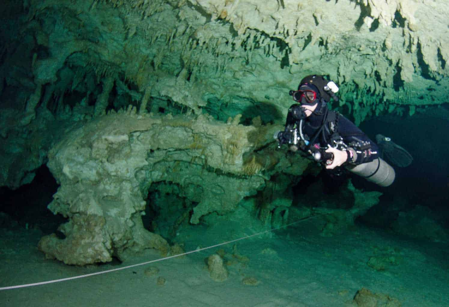 Gran Cenote is the heart of the Sac Aktun system (The world's longest underwater cave system) which means 'White Cave'. As the name states, white walls, crystal-clear waters and spectacular stalactites and stalagmites will awe not only experienced divers, but also beginners.