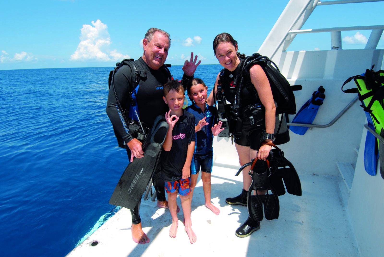 Belize Aggressor Family Week by Jeremy Cuff