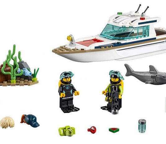LEGO Caters for Divers with a New Diving Yacht