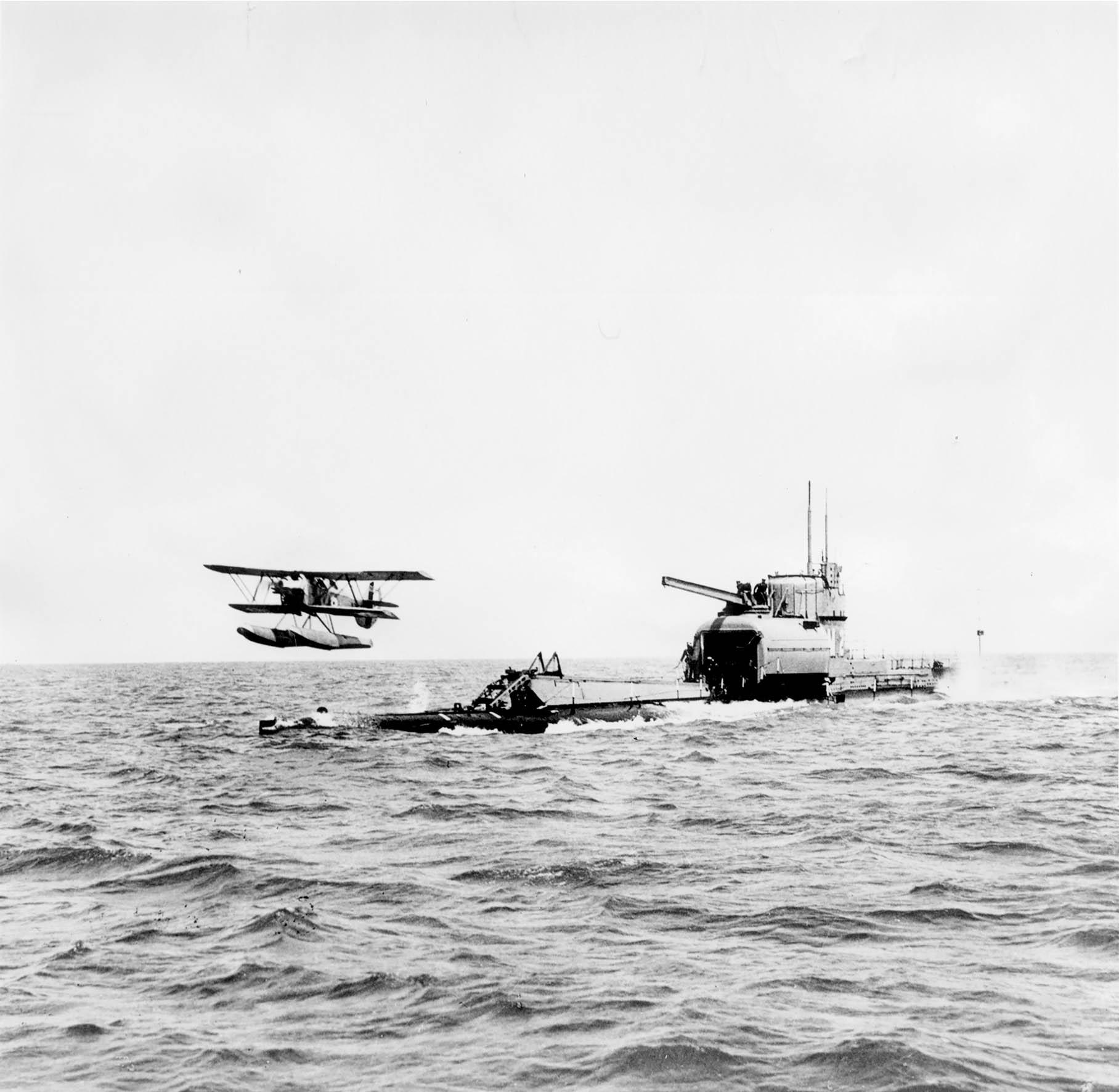 The TRAGIC History Of The M2 Submarine | ScubaDiverMag com