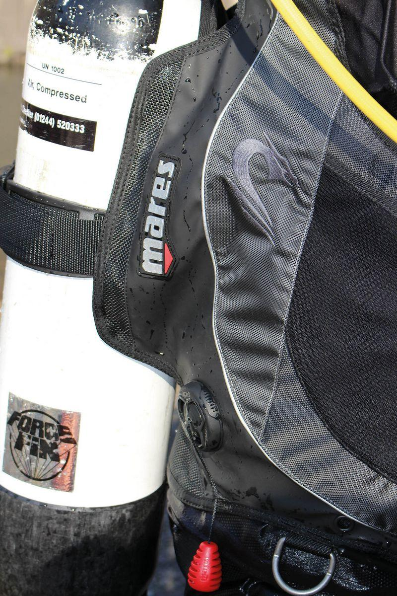 Mares Dragon Sls Is It The Most Comfortable Bcd Money Can
