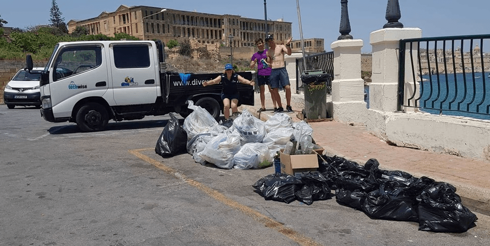 Divewise beach clean