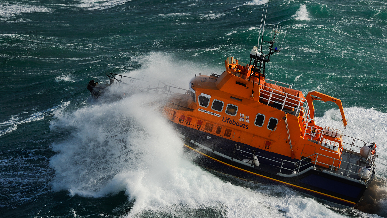 42921-st-marys-severn-class-lifeboat-in-rough-seas-NIGEL-MILLARD-16x9