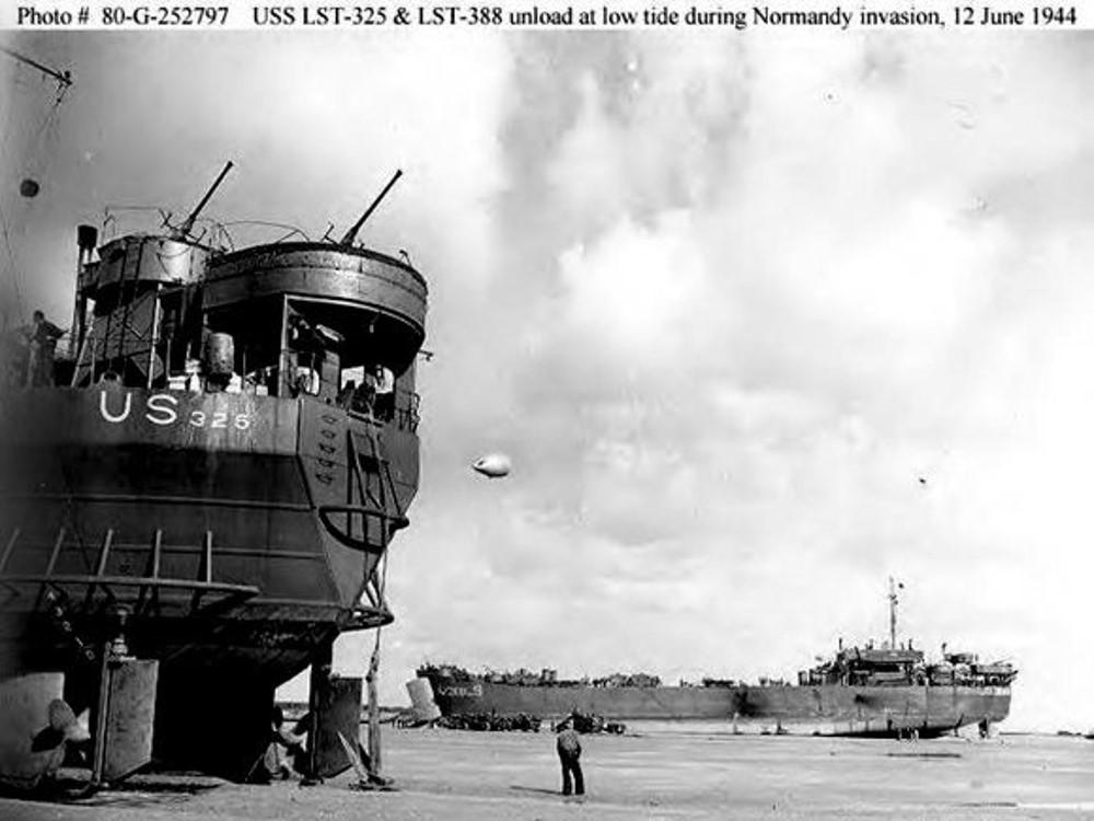 landing ships, D-Day