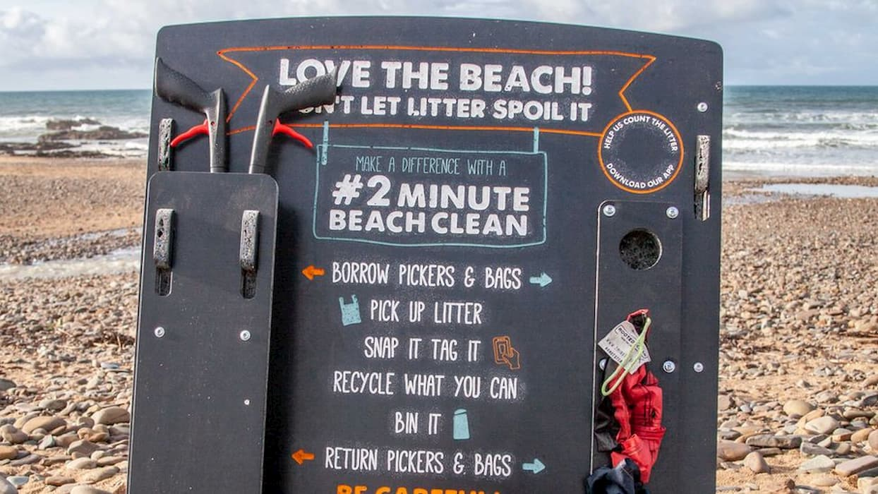 Beach cleaning station made out of marine rubbish