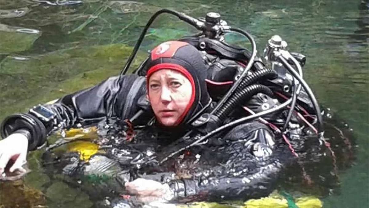 Karen Van Den Oever claims women's deep cave diving record
