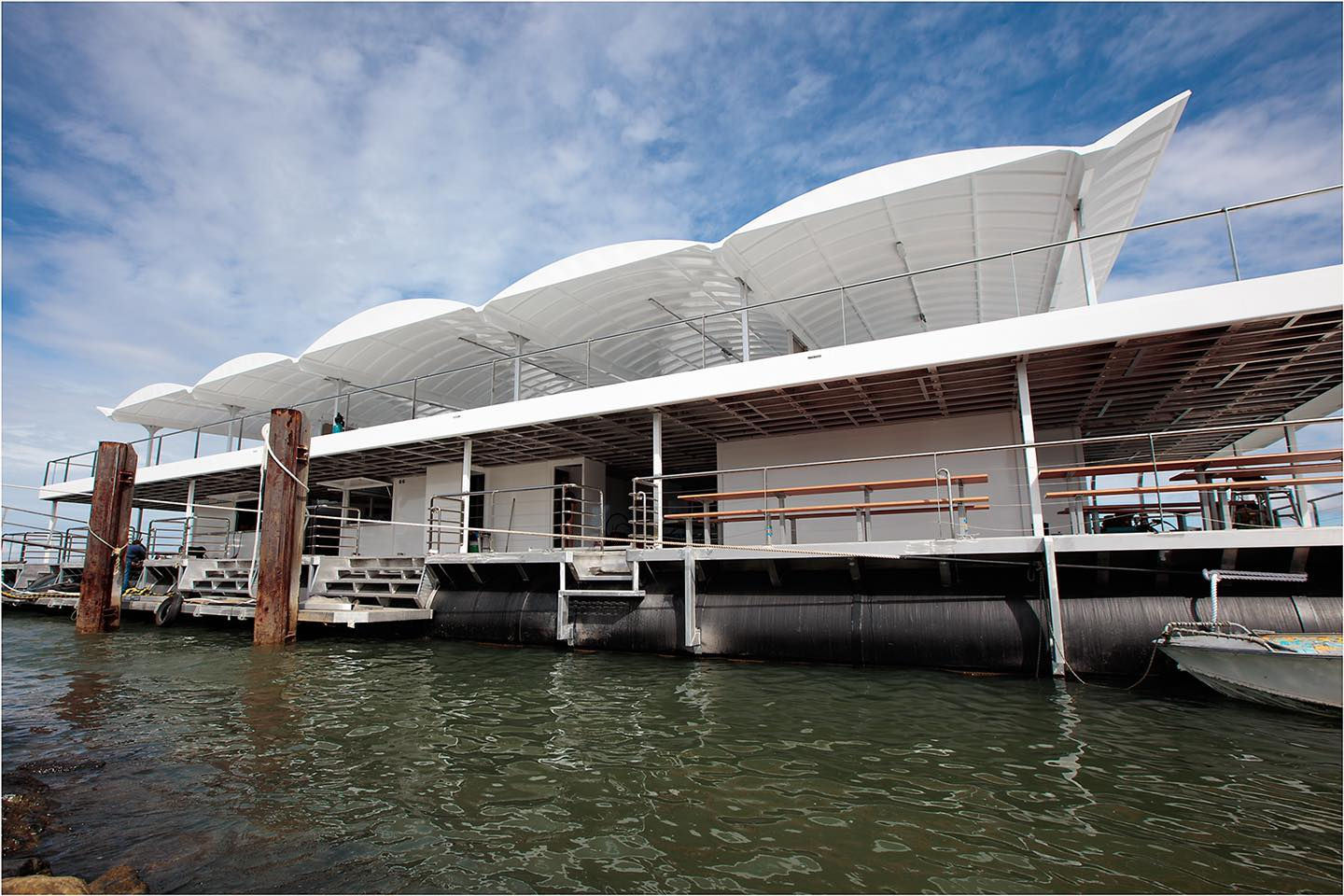 Southern Great Barrier Reef on the brand new Pontoon Lady Musgrave HQ