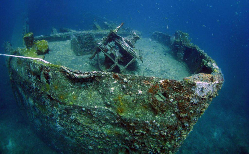 wreck diving 16