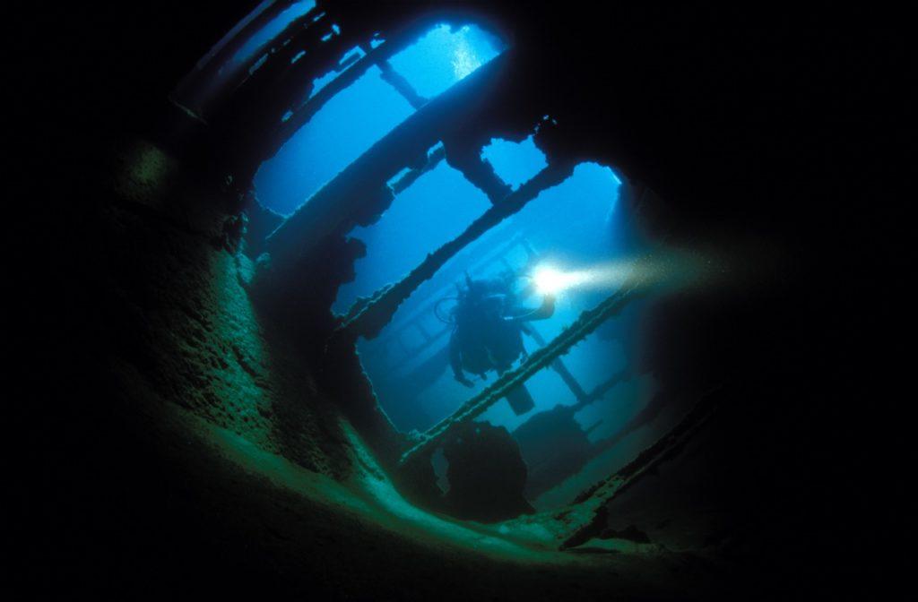 wreck diving 5